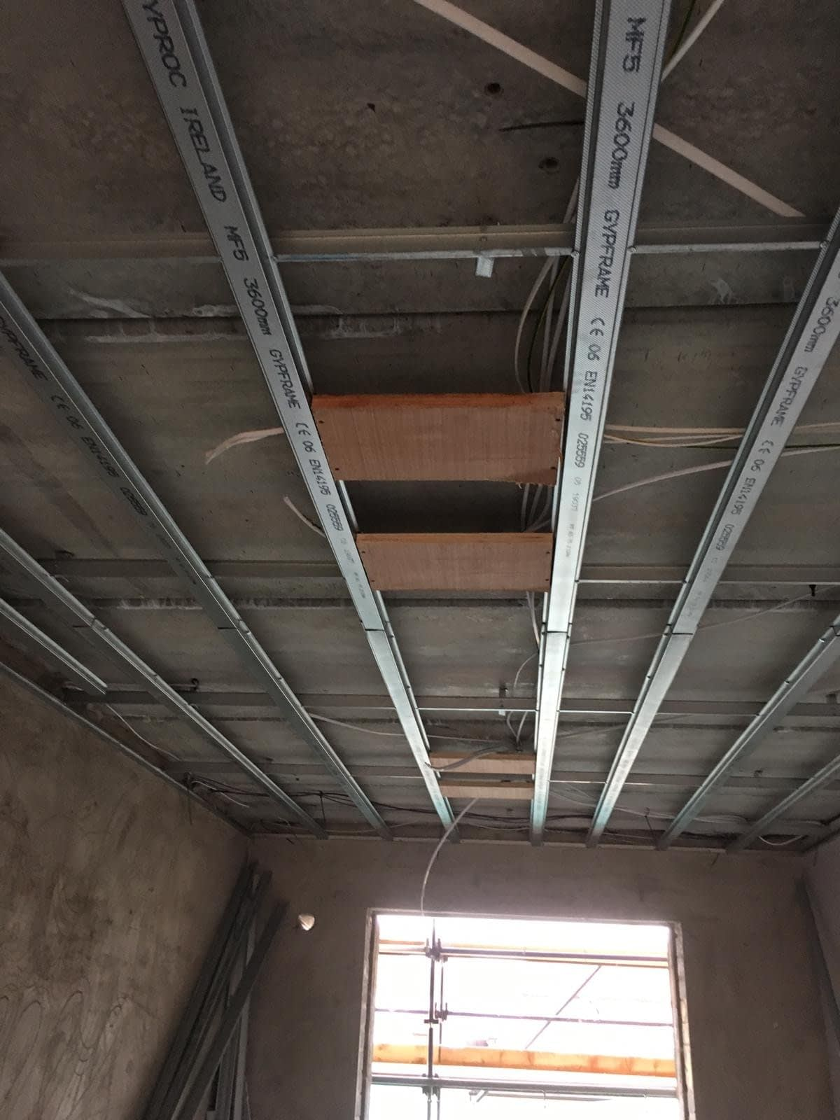 Installing Suspended Ceilling
